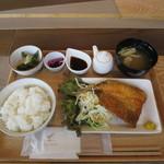 鎌倉お昼ごはん - 相模湾産 アジフライ定食