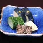 京都 吉兆 - 香の物:水茄子とキュウリ、わかめ