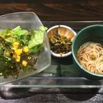 42284829 - サラダ、香の物、小鉢(素麺)