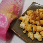 村一番 -  北海道開拓おかき 白老 虎杖浜たらこ味 (410円)