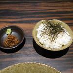 天雷軒 九段下 - 琥珀茶漬け用ごはん ¥150 (本日は雨のため無料サービス(^^)