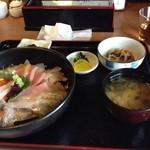 よりあい処つしま - よりあい海鮮丼 特盛 1,050円(税込)