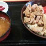 42289415 - もつ煮丼@730円