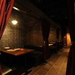 北海道ヨーロピアンダイニング LUGAR - 深紅のカーテン個室