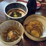 津ねや - 食べておきたかった秋田名物を全部食べきります♪「とんぶり」「いぶりがっこ」「じゅんさい」