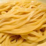 麺の坊 晴天 - 艶々の極太麺