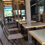 カフェ&ビアテラス カリフォルニアカフェ - 店内