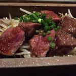 広島お好み焼き 巧房 - 黒毛和牛のステーキ。