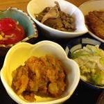 ラウンジ 伽羅 - 小鉢が4種も