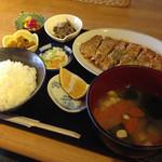 ラウンジ 伽羅 - ポークピカタ定食