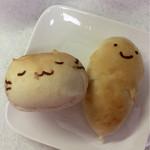 パティスリー稲垣 - ねこぱん100円/おばけぱん 110円