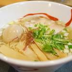 ともゑ - 料理写真:2015.9 塩中華そば(700円)+味付け半熟卵(100円)