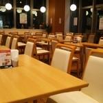 カフェ ダイニング 仲宿 - 店内(夜)