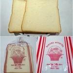 42294386 - 食パン(半斤)¥140