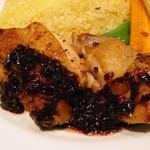 タマヤ - 鶏のソテー 赤ワインとバルサミコ