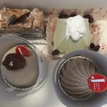 パティシエ ジュン ホンマ - ケーキ4つ