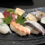 42297286 - ランチメニューの松にぎり(850円)8種類の寿司で満幅です