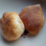 ラ・ファリネッラ - 焼きたてだったミニパン 二つ