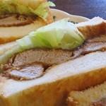 WEST - カツサンド(ヒレカツを使った本格的なもので、パンは系列店?と思われるパン屋さんのものか?とても美味しい!)