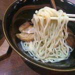 はせ川 - 石鍋辛みそつけ麺の麺リフト〜(*^◯^*)♪