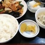 百順居 - 揚げ豆腐の四川風炒め定食です。