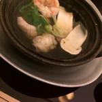 料理 吉祥寺 わるつ - 松茸と鱧とエビの鍋仕立て