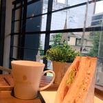 ゴールデンデュー カフェ - ソイサンド(イスズベーカリーのです♬)