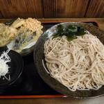 42309577 - 野菜天もり(¥550)