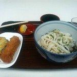 古里うどん - 料理写真:温かけ