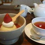 アフタヌーンティー・ティールーム - カップケーキと紅茶