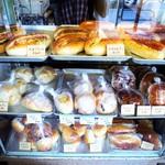 大平製パン - ショーケース3