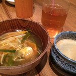 42311819 - 左:華見鳥の鶏団子薬膳鍋 | 右:ドリップコーヒー | 冷たいお茶                       /1巡目-3皿目                       2015/09/26訪問