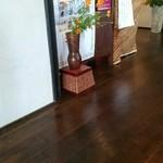 蕎麦処鏑屋響 - レジ付近を撮影です。キレイ