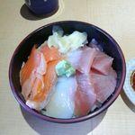 42314227 - 三色丼