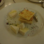 コマツ プルミエ - チーズ並盛合せ【3種】880円