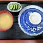 土浦食堂 - かつ丼(みそ汁、漬物付き)¥850