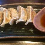 麺 藏藏 - ぎょうざ(5ヶ)330円
