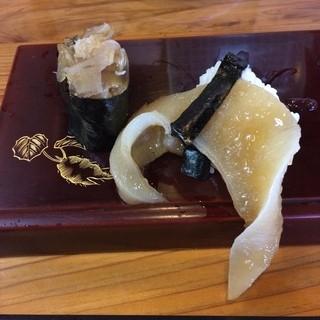 寿ゑ泰鮨 - ふかひれのにぎり。