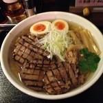 42321240 - 塩チャーシュー麺1020円(大盛1.35倍無料)