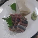 中津川 - 刺身盛り。。。秋刀魚とイカ。。。