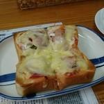 コラボ倶楽部 - 料理写真:ピザトースト