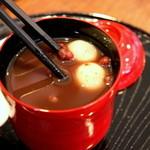 壱心茶屋 - 善哉には喉に詰まらないようにと白玉が使われている。心配りがうれしい。