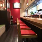 金沢まいもん寿司 - 店内 開店5分前