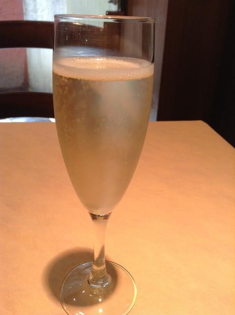 ダノイ高輪 - スパークリングワイン(Brut)飲み放題(休日時間限定)