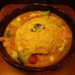 卵と私 - 海老とアボガドとモッツァレラチーズのトマトクリームオムライスドリア