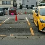 42328303 - 店舗チョット先の駐車(No.1.2.3)3台分
