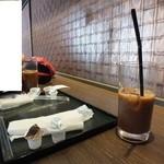 カフェ カリン - アイスコーヒーで一息