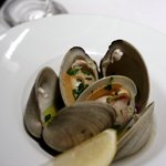 インカント - うちむらさき貝の白ワイン蒸し、黒胡椒風味