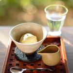 茂庵 - 料理写真:アイスにエスプレッソをかける