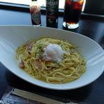 カフェ&バー アビオン - カルボナーラ 820円 + アイスコーヒー 390円